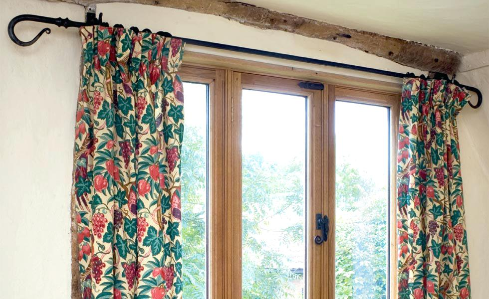 Guide to choose blinds and curtains
